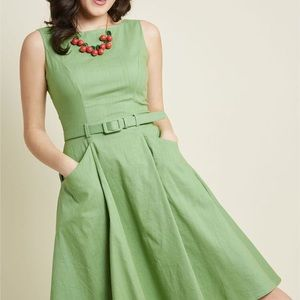 Collectif London green sleeveless a line dress 18